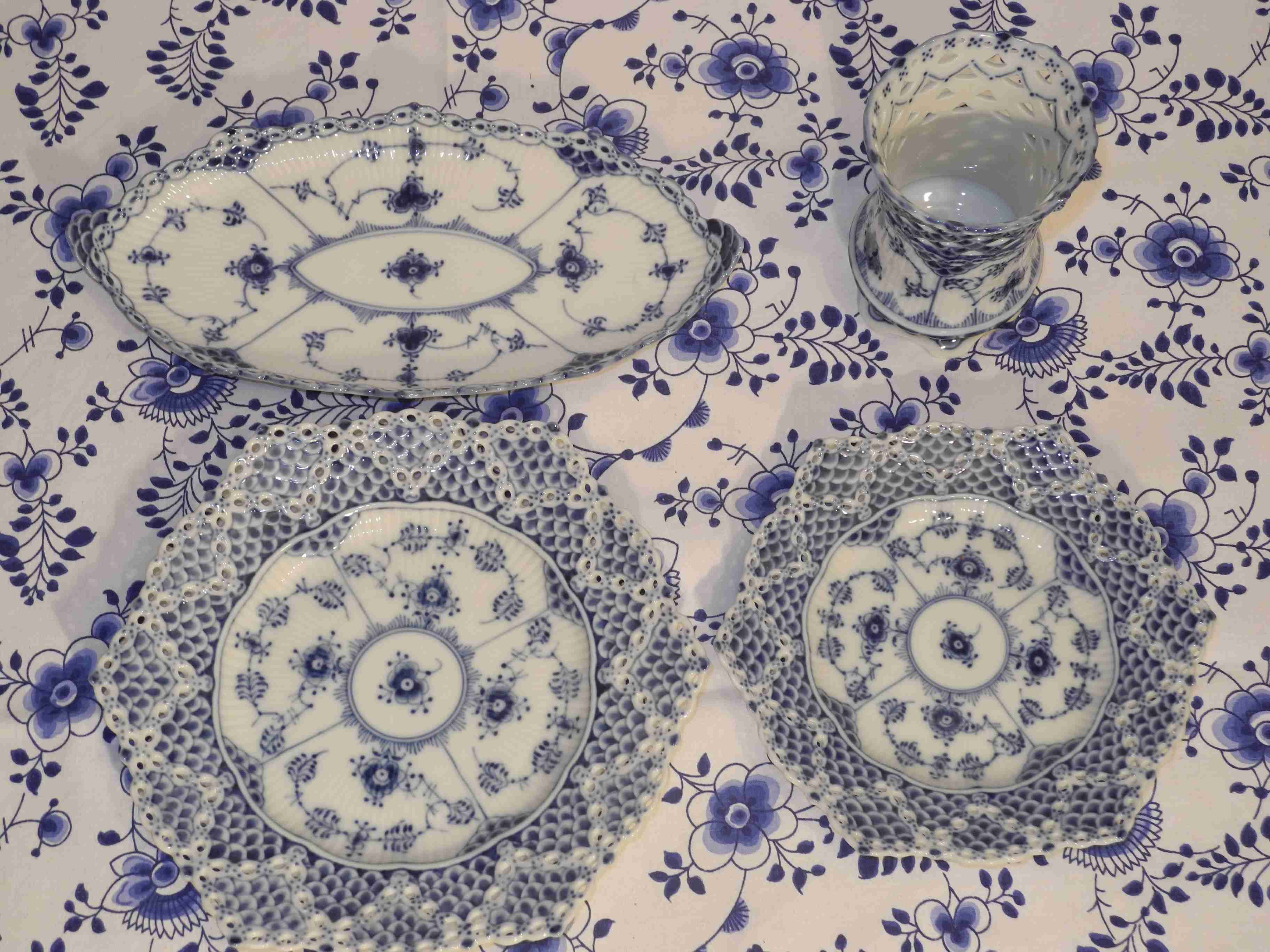 Blue Fluted Full Lace various