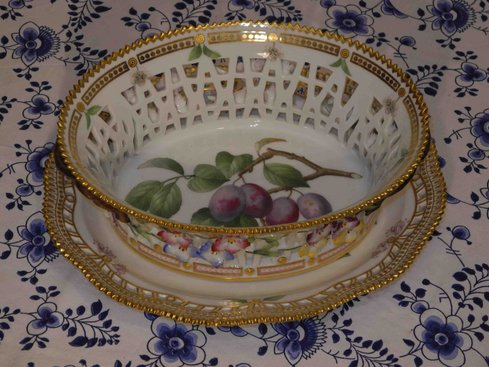 Fruit Bowl with underplate