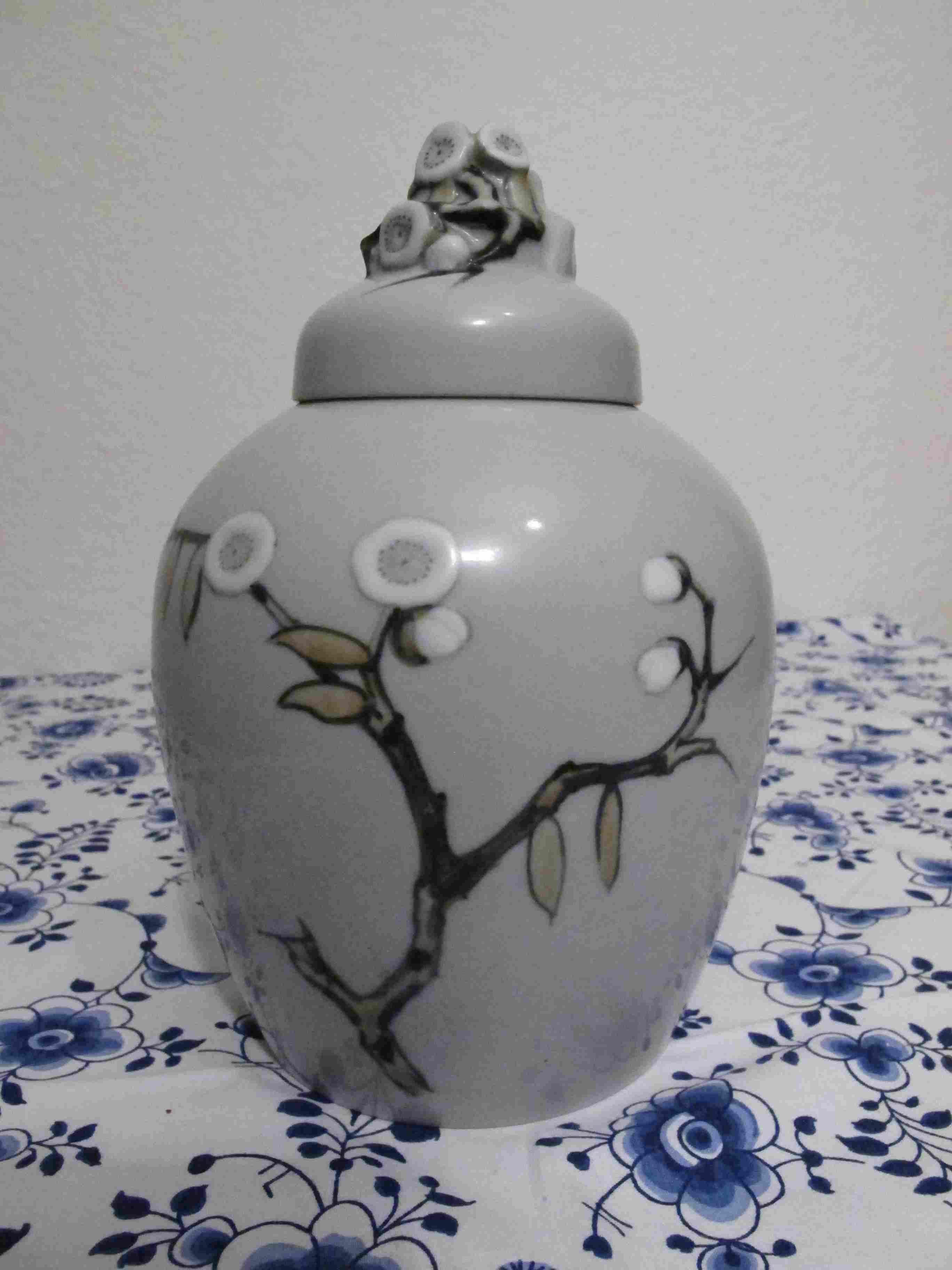 Lidded Vase with Idealized blossoms