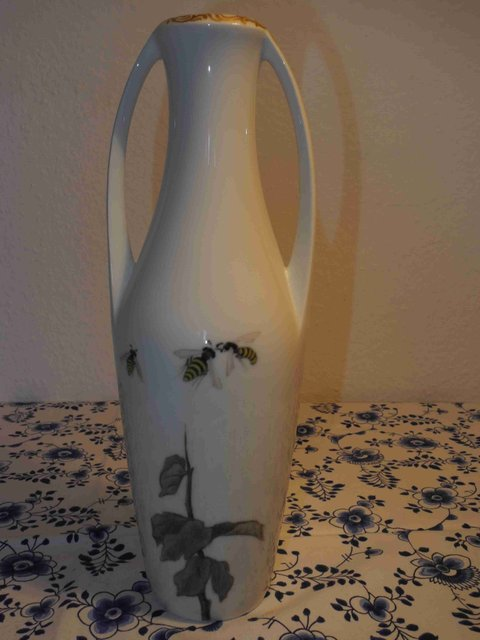 Bee Vase with Handle