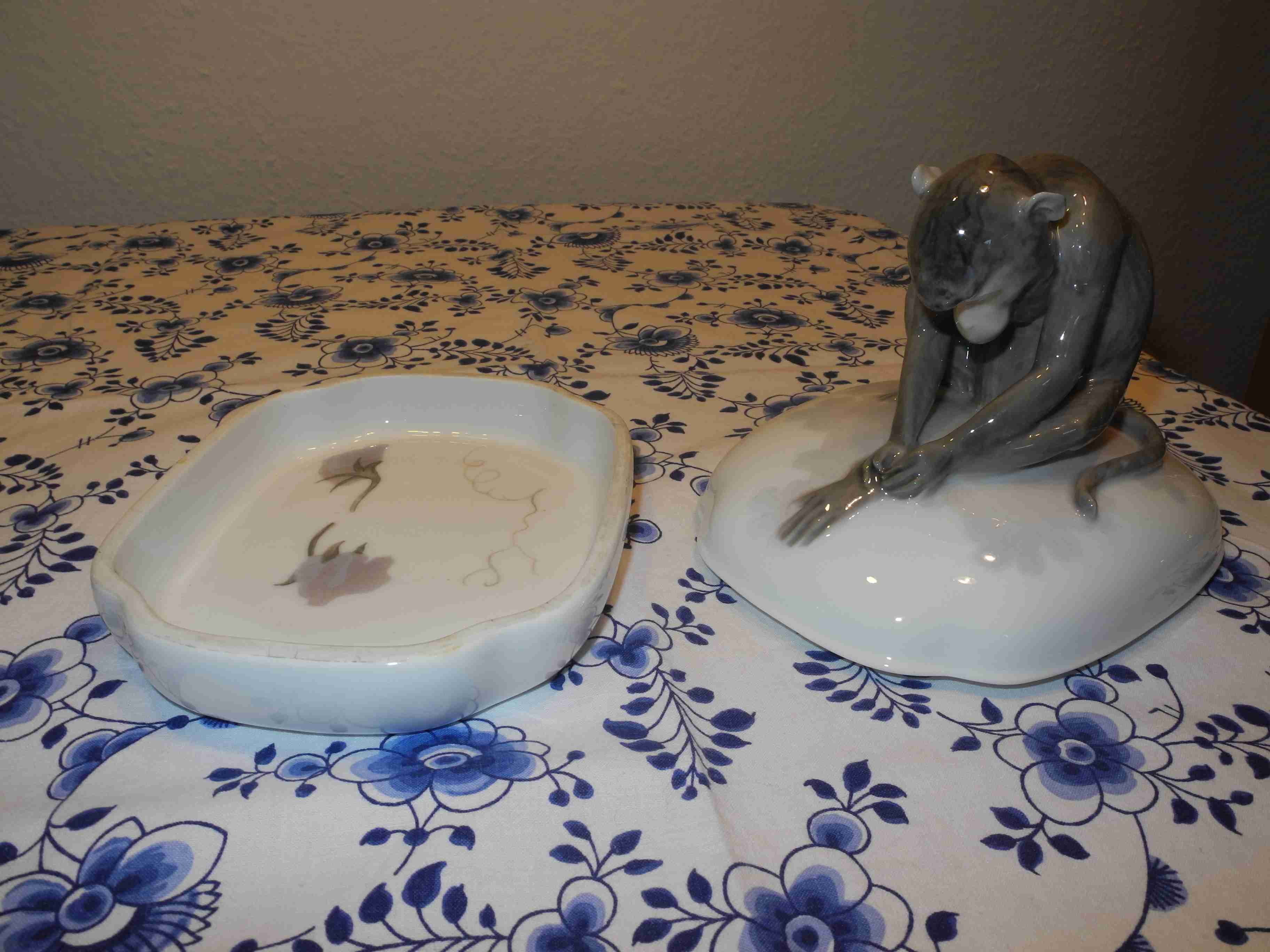 Monkey lidded dish